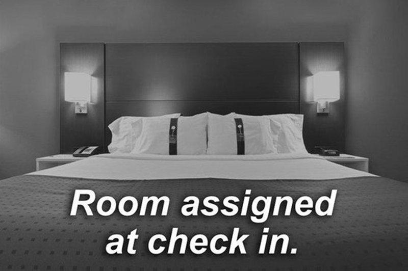 Holiday Inn Express Morgantown-Standard Room<br/>Image from Leonardo