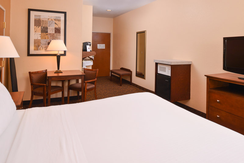Holiday Inn Express Morgantown-One Queen Bed Handicap Accessible <br/>Image from Leonardo
