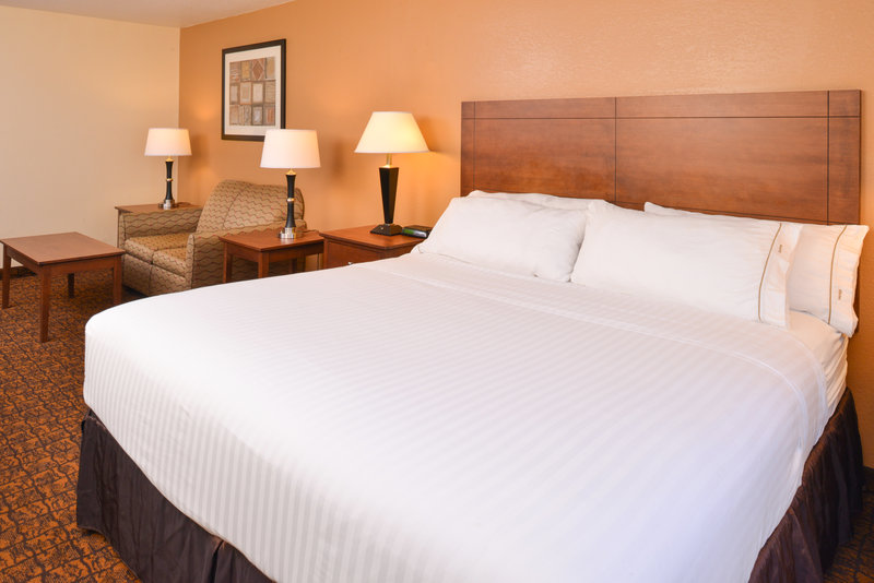 Holiday Inn Express Morgantown-One King Bed Business Suite Room<br/>Image from Leonardo