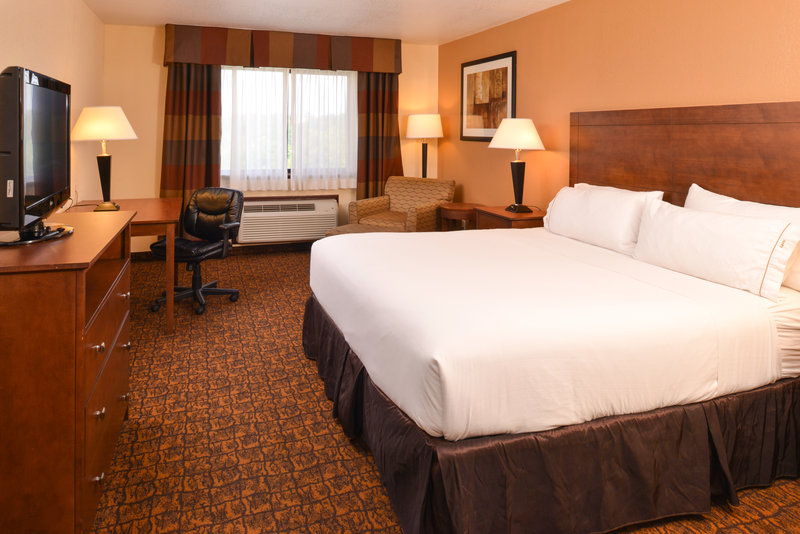 Holiday Inn Express Morgantown-One King Bed Business Suite<br/>Image from Leonardo