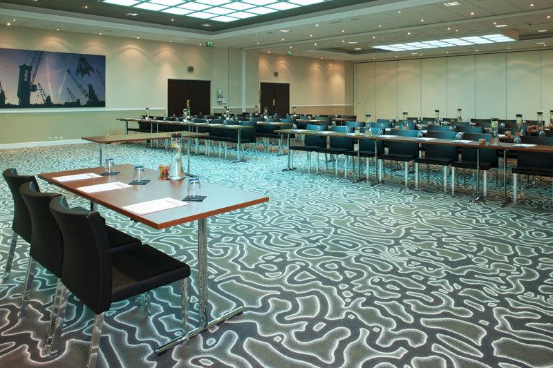 Crowne Plaza Antwerp-Meeting Room AB<br/>Image from Leonardo