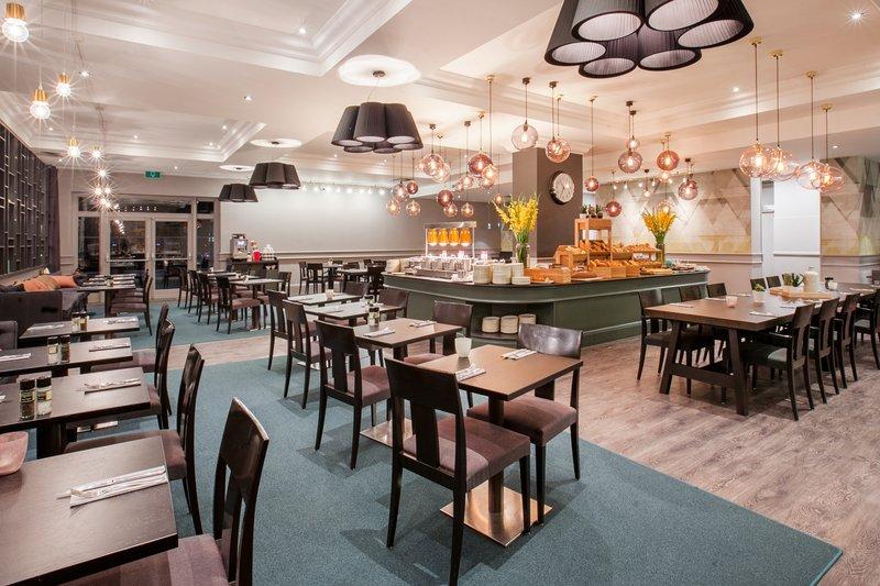 Crowne Plaza Antwerp-Breakfast Area<br/>Image from Leonardo
