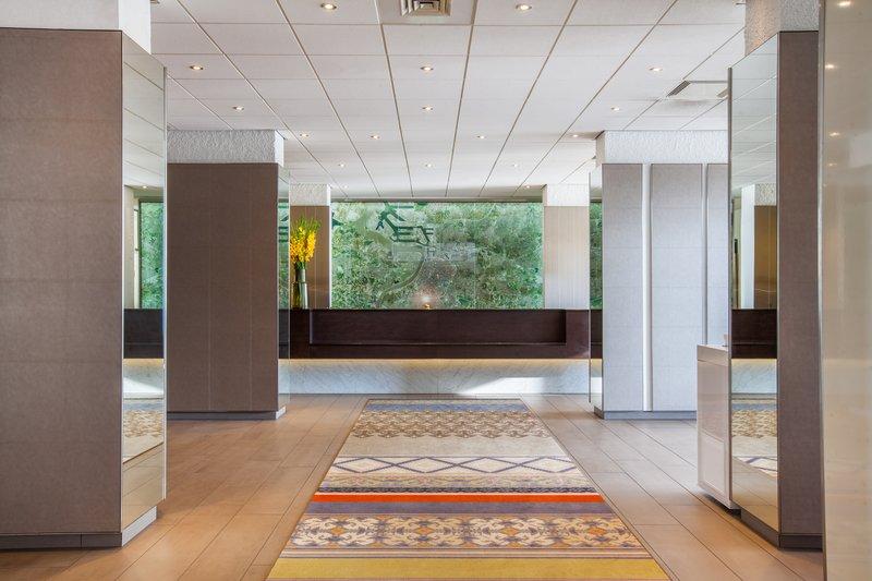 Crowne Plaza Antwerp-Hotel Lobby<br/>Image from Leonardo