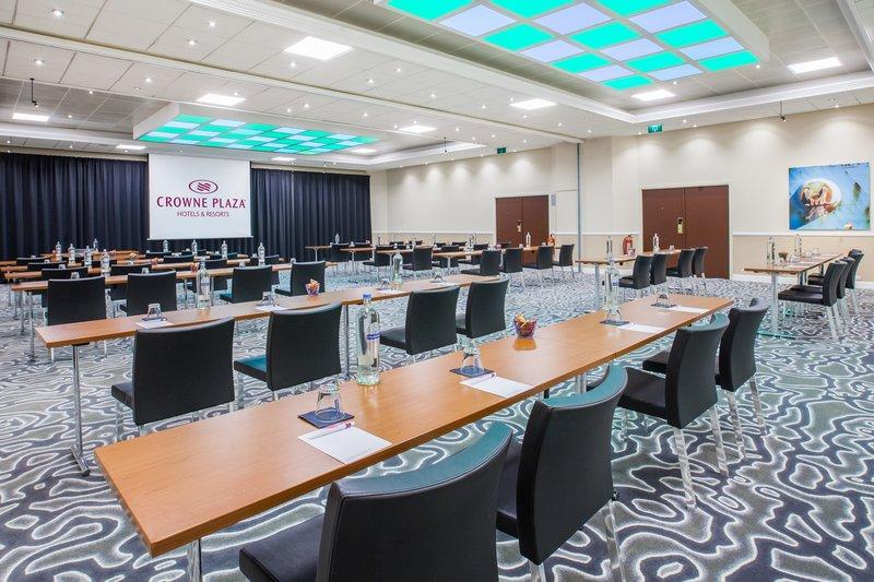 Crowne Plaza Antwerp-Meeting Room<br/>Image from Leonardo