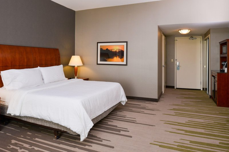 Hilton Garden Inn Yuma Pivot Point-Accessible King<br/>Image from Leonardo