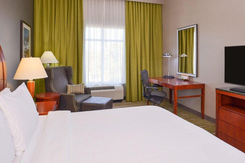 Hilton Garden Inn Yuma Pivot Point-Standard King<br/>Image from Leonardo