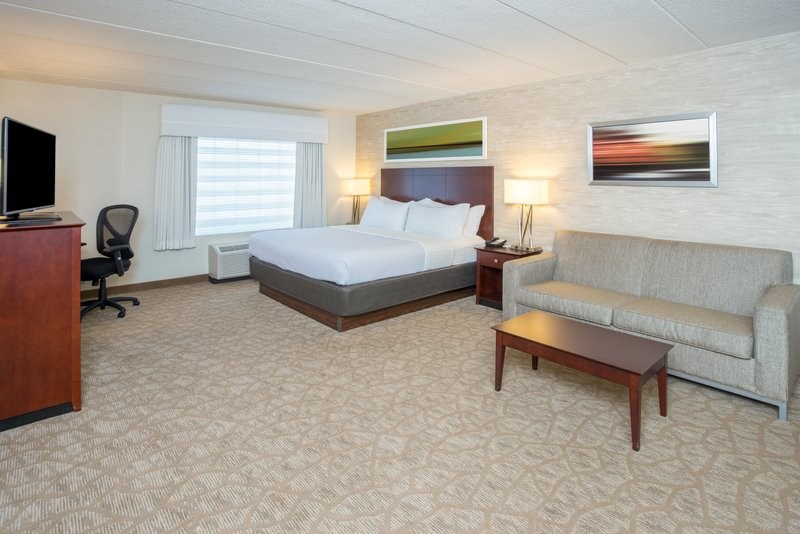 Holiday Inn Baltimore BWI Airport-Deluxe Room<br/>Image from Leonardo