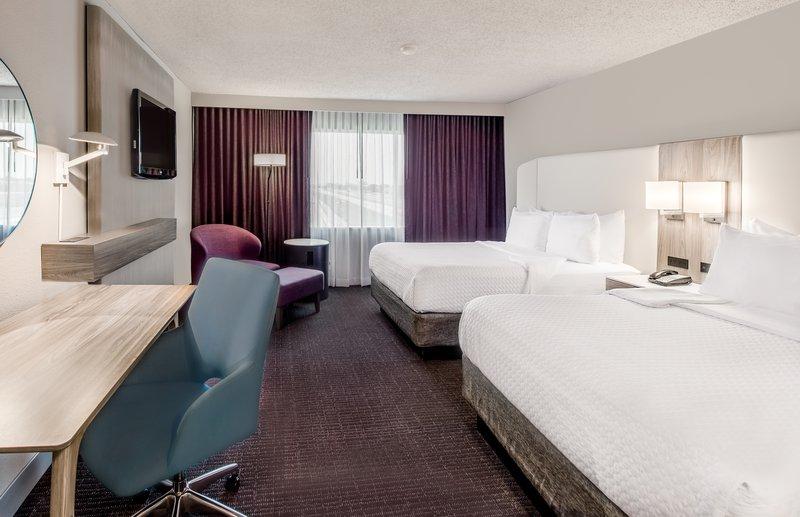Crowne Plaza Suites Arlington - Ballpark - Stadium-Two Queen WorkLife Room<br/>Image from Leonardo
