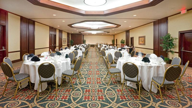 Crowne Plaza Suites Arlington - Ballpark - Stadium-Crowne Plaza Arlington Ballroom 2<br/>Image from Leonardo