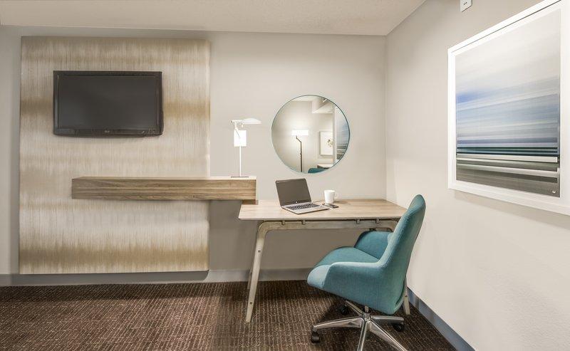 Crowne Plaza Suites Arlington - Ballpark - Stadium-WorkLife Room Desk Area<br/>Image from Leonardo