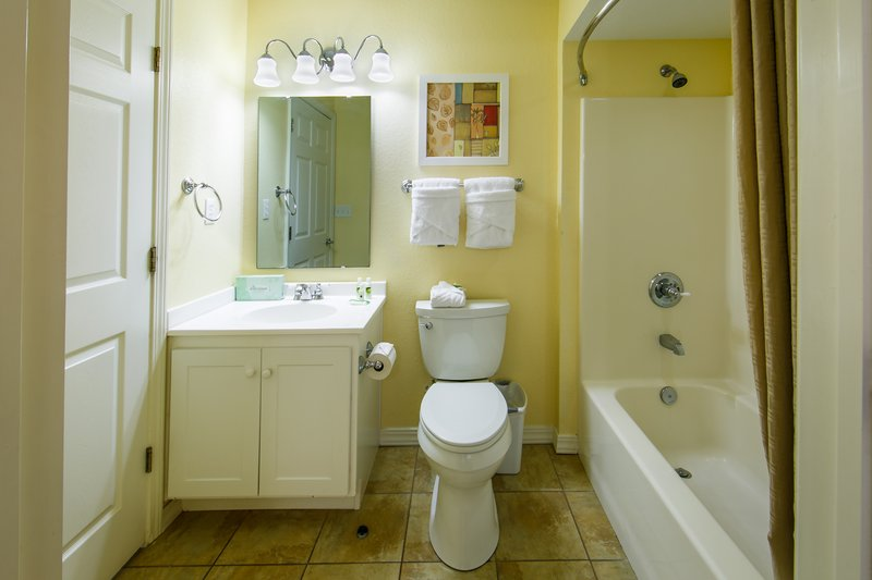 Holiday Inn Club Vacations Galveston Beach Resort-Private bathroom with shower-tub combo<br/>Image from Leonardo