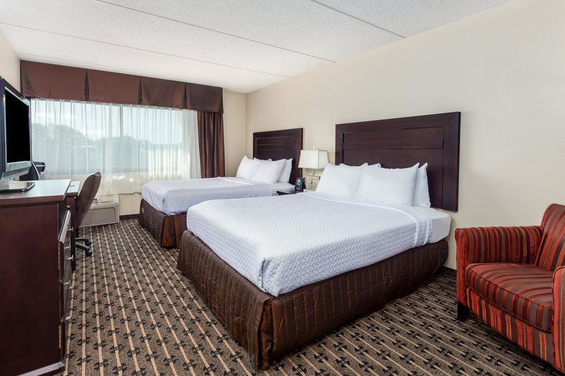 Crowne Plaza Milwaukee Airport-Guest Room <br/>Image from Leonardo