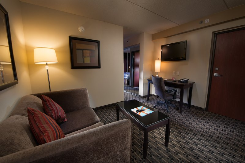 Crowne Plaza Milwaukee Airport-Sitting Area<br/>Image from Leonardo