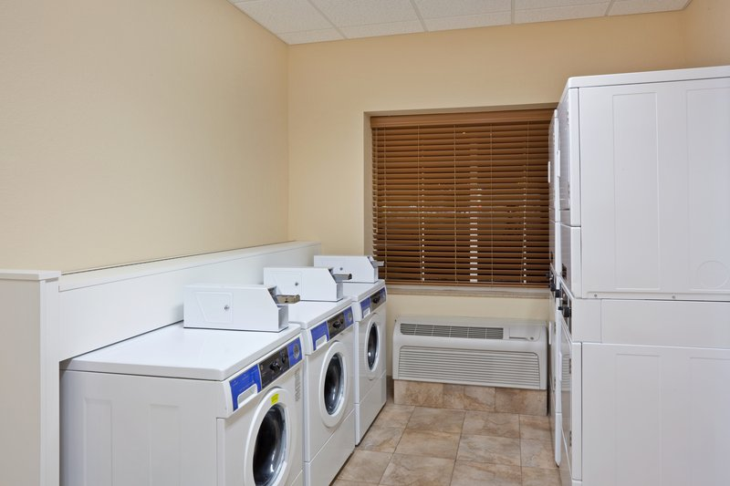 Candlewood Suites Portland Airport-Complimentary 24 hour laundry facility extended stay<br/>Image from Leonardo