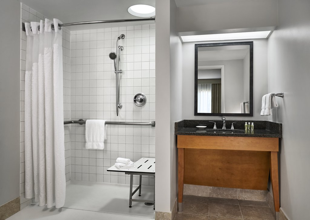Holiday Inn Hotel &amp; Suites Alexandria Old Town-Accessible Baths and Roll in Showers available<br/>Image from Leonardo