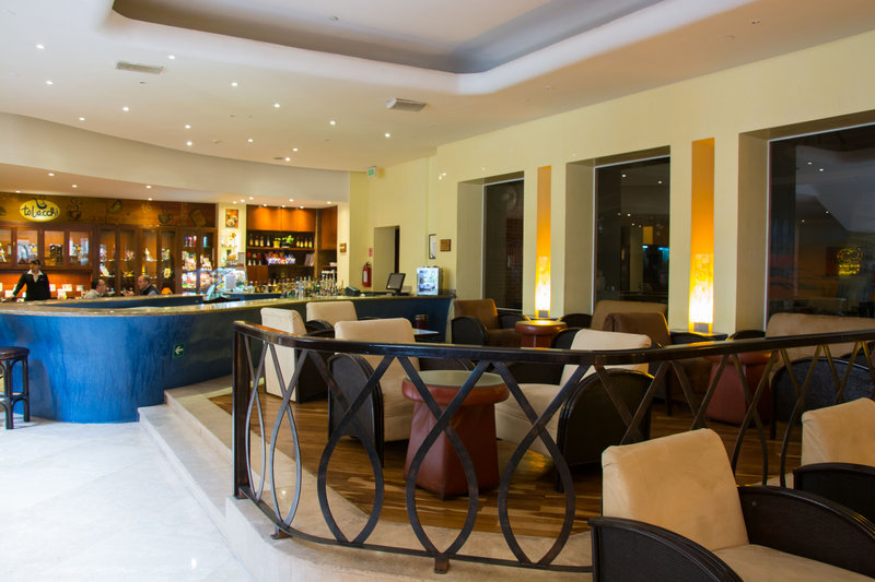 Crowne Plaza Hotel de Mexico-Bar and Lounge<br/>Image from Leonardo