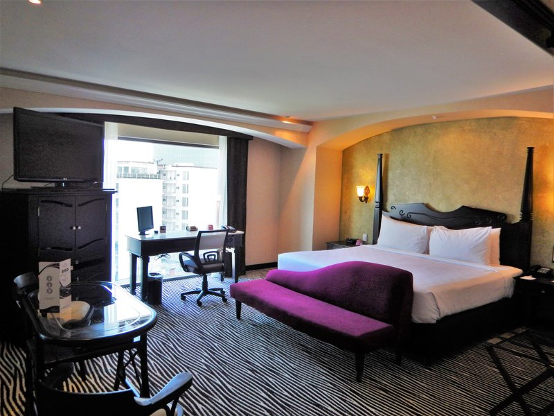 Crowne Plaza Hotel de Mexico-King Bed Guest Room<br/>Image from Leonardo