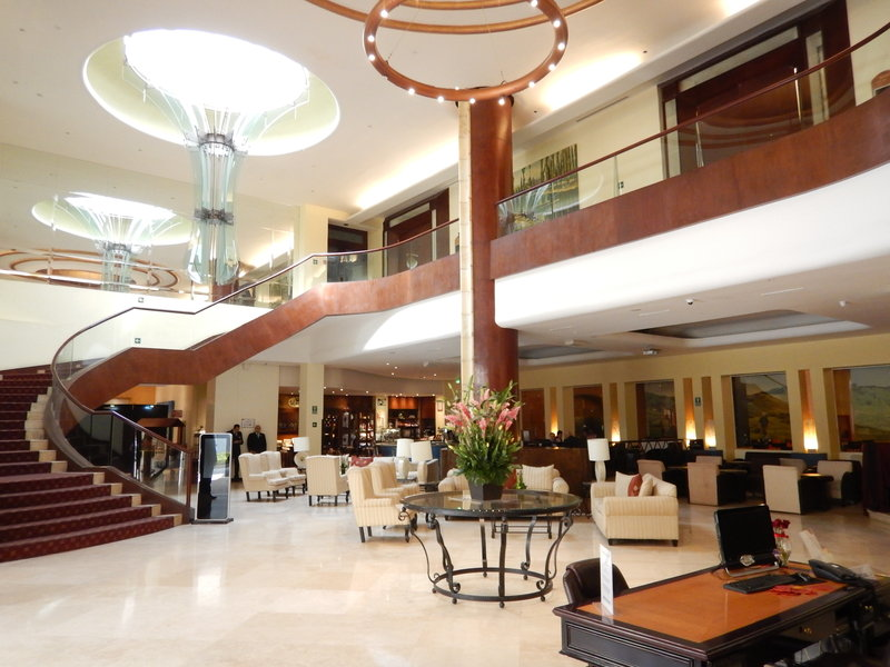 Crowne Plaza Hotel de Mexico-Lobby Lounge<br/>Image from Leonardo