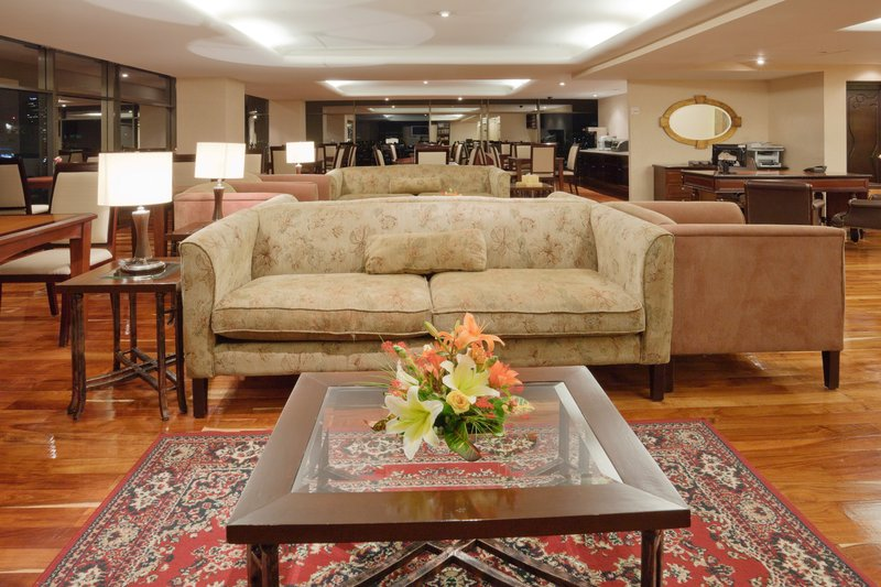 Crowne Plaza Hotel de Mexico-Club Floor Lounge<br/>Image from Leonardo