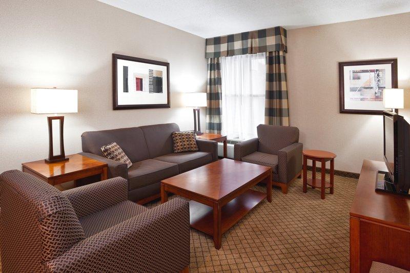 Holiday Inn Dayton/Fairborn I-675-Suite Living Room<br/>Image from Leonardo