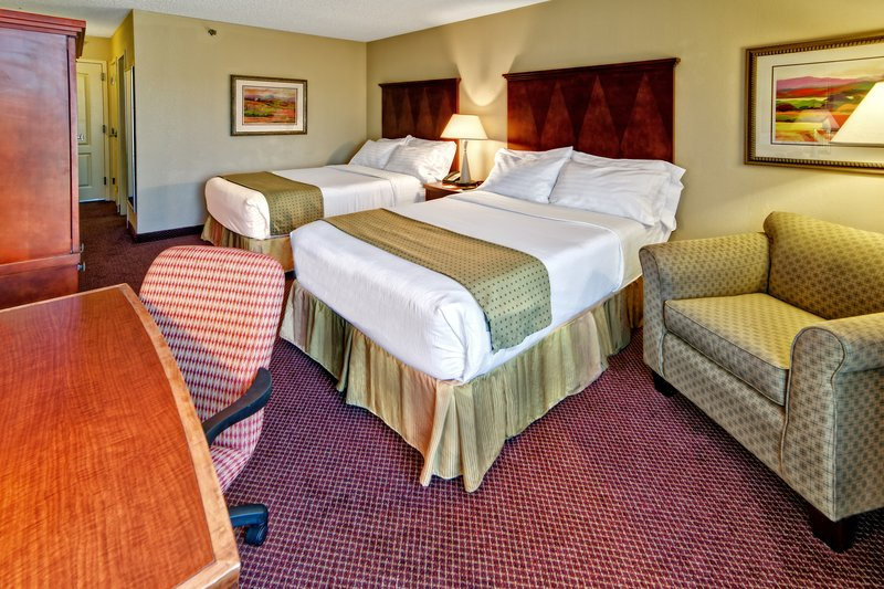 Holiday Inn Asheville - Biltmore West-Our double bed rooms are great for families and sports teams.<br/>Image from Leonardo