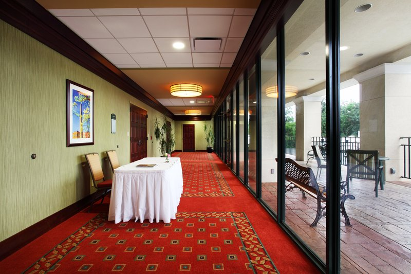 Holiday Inn Asheville - Biltmore West-Pre-function Area<br/>Image from Leonardo