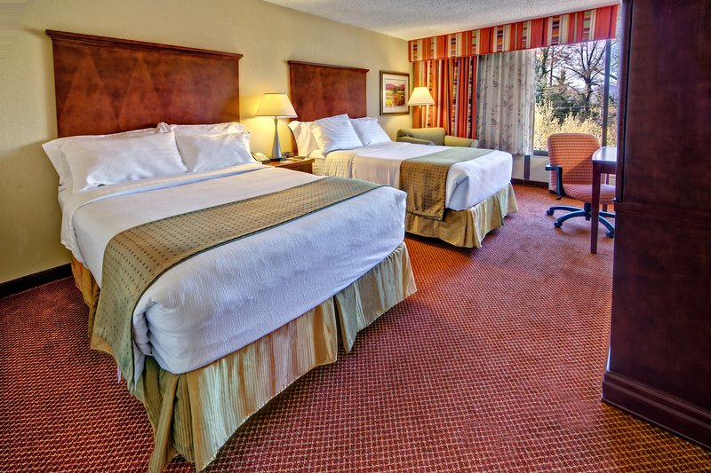 Holiday Inn Asheville - Biltmore West-Spacious two double bed room with work space.<br/>Image from Leonardo