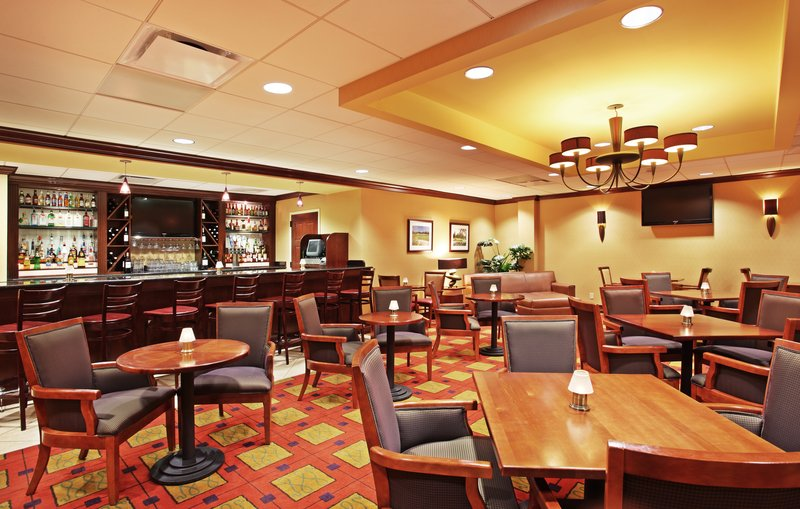 Holiday Inn Asheville - Biltmore West-Infusions Lounge open daily for food and refreshments.<br/>Image from Leonardo
