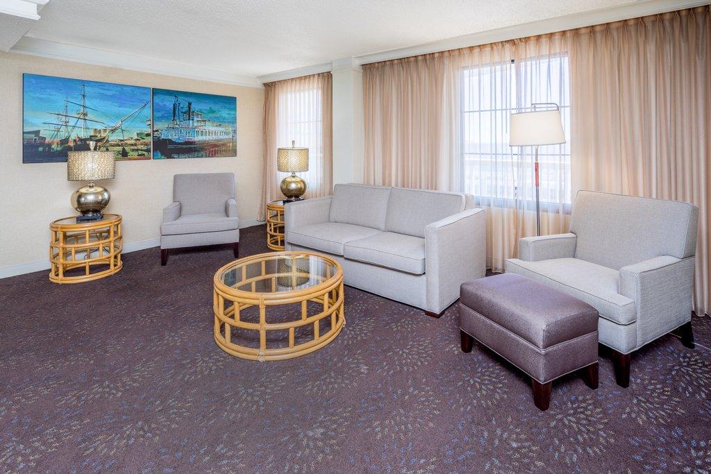 Holiday Inn Inner Harbor-Newly updated Jacuzzi Suite Living Room Holiday Inn Inner Harbor<br/>Image from Leonardo