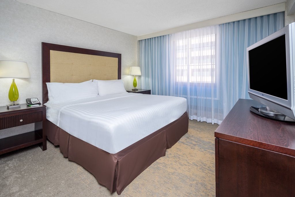 Holiday Inn Inner Harbor-Newly updated Single Queen Holiday Inn Inner Harbor Baltimore DT<br/>Image from Leonardo