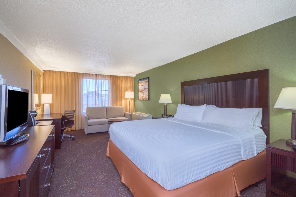 Holiday Inn Inner Harbor-Newly updated King Bed Accessible Room Holiday Inn Inner Harbor<br/>Image from Leonardo