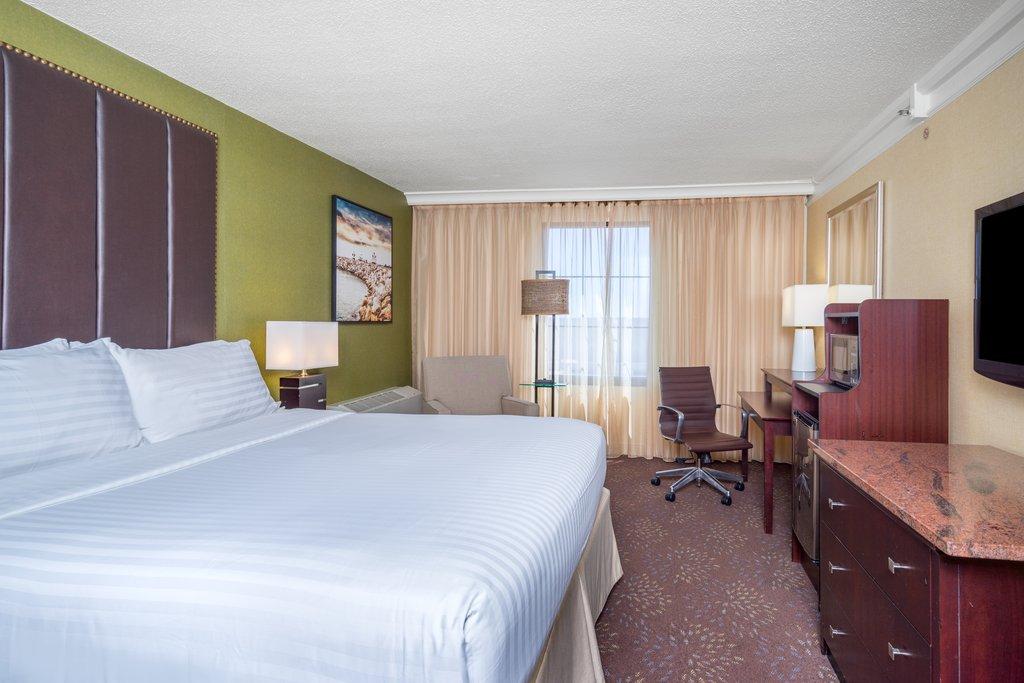 Holiday Inn Inner Harbor-Newly Updated King Bed Room Holiday Inner Harbor Baltimore<br/>Image from Leonardo