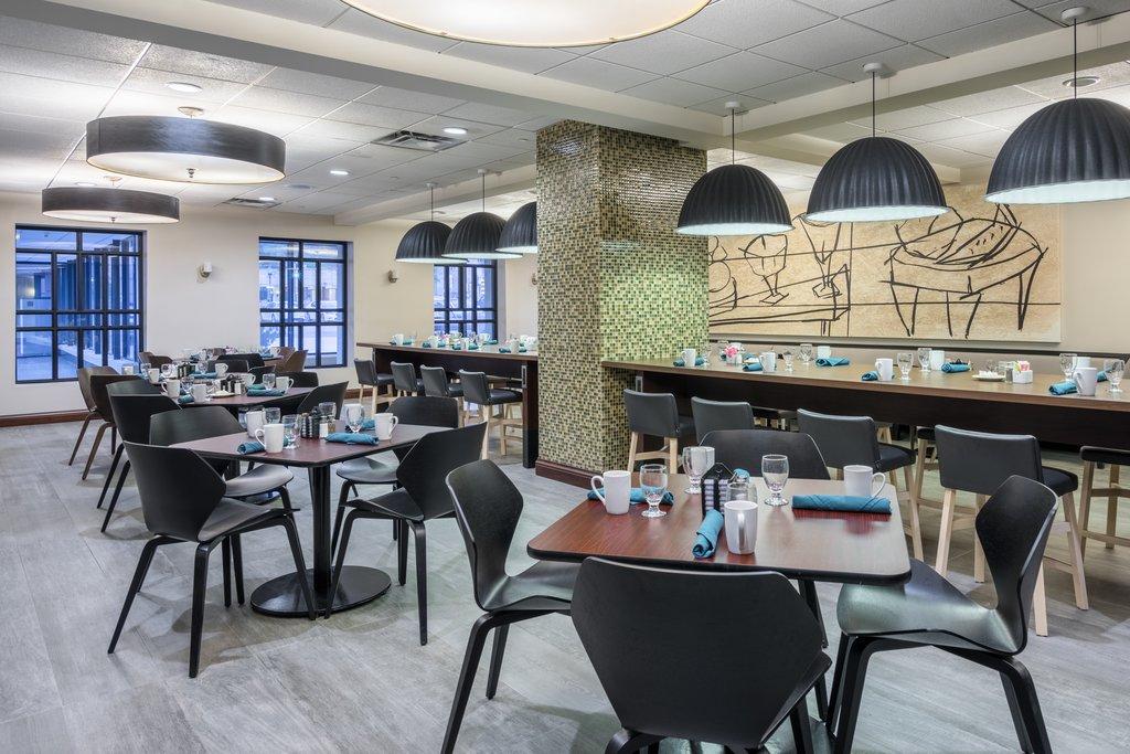 Holiday Inn Inner Harbor-Eden West Restaurant - Breakfast, Lunch and Dinner<br/>Image from Leonardo