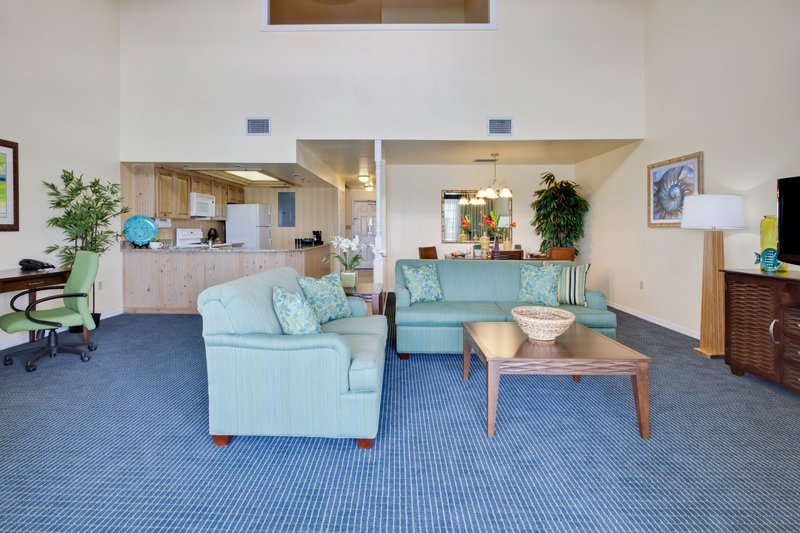 Holiday Inn & Suites Clearwater Beach S Harbour-Our 1 King Loft Villa offer a full kitchen and living area<br/>Image from Leonardo