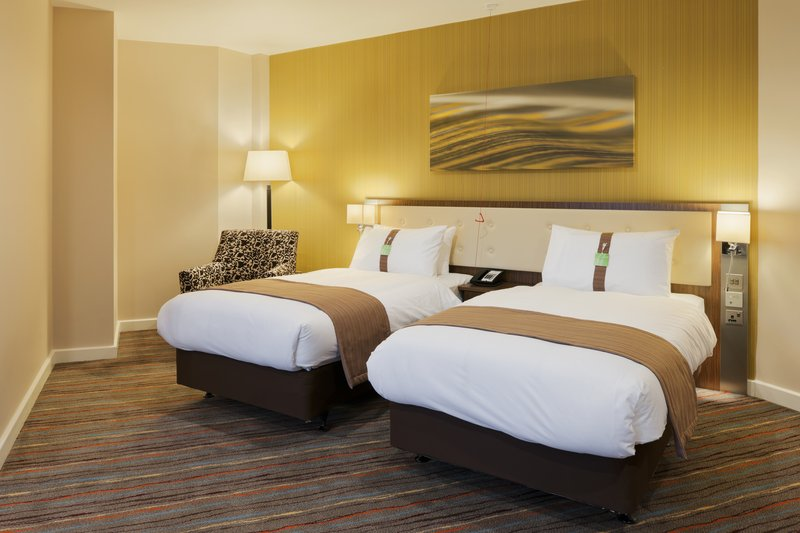 Holiday Inn Derby Riverlights-Modern and spacious twin bedded room<br/>Image from Leonardo