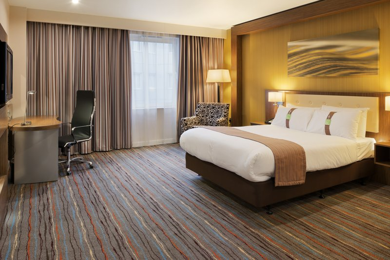 Holiday Inn Derby Riverlights-Modern and spacious standard double bedded room<br/>Image from Leonardo