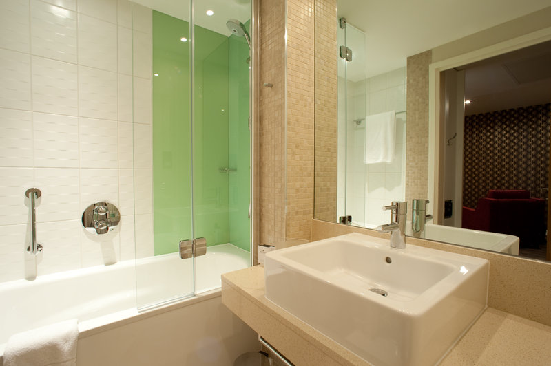 Holiday Inn Derby Riverlights-Guest Bathroom<br/>Image from Leonardo