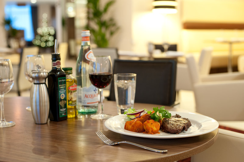 Holiday Inn Derby Riverlights-Why not try one of our delicious dishes in our restaurant?<br/>Image from Leonardo