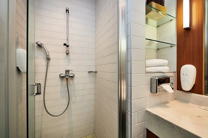 Holiday Inn Helsinki - West -Ruoholahti-Refresh with a power shower<br/>Image from Leonardo
