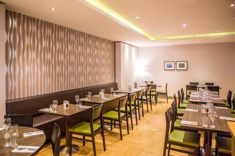 Holiday Inn High Wycombe M40, Jct. 4-Restaurant<br/>Image from Leonardo
