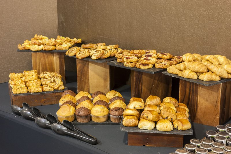 Crowne Plaza Liverpool John Lennon Airport-Fresh Pastries<br/>Image from Leonardo
