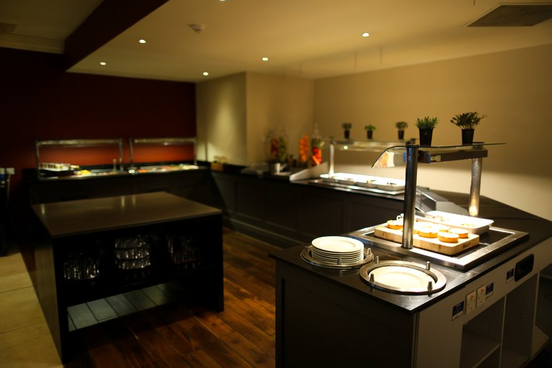 Crowne Plaza Manchester Airport-Restaurant Buffet Breakfast<br/>Image from Leonardo