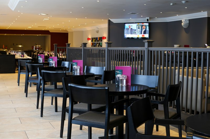 Crowne Plaza Manchester Airport-The Lobby Bar<br/>Image from Leonardo