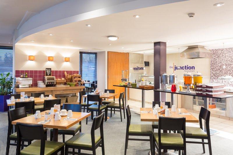 Holiday Inn Cambridge-Restaurant<br/>Image from Leonardo