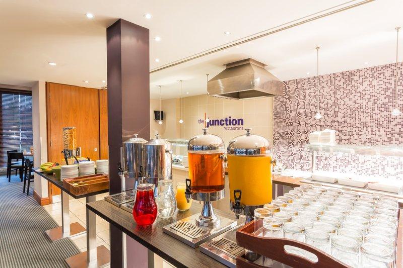 Holiday Inn Cambridge-Breakfast Buffet<br/>Image from Leonardo