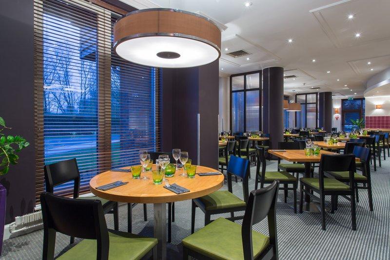 Holiday Inn Cambridge-Dinner at the Junction Restaurant<br/>Image from Leonardo
