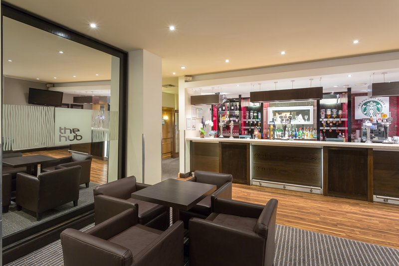 Holiday Inn Cambridge-Relax with a drink at the Hub Bar<br/>Image from Leonardo