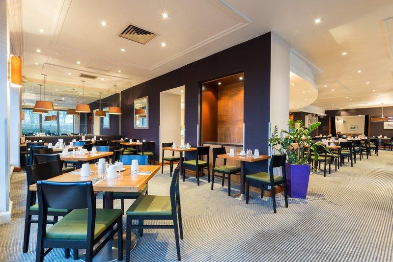 Holiday Inn Cambridge-Enjoy your morning meal at the Junction Restaurant<br/>Image from Leonardo