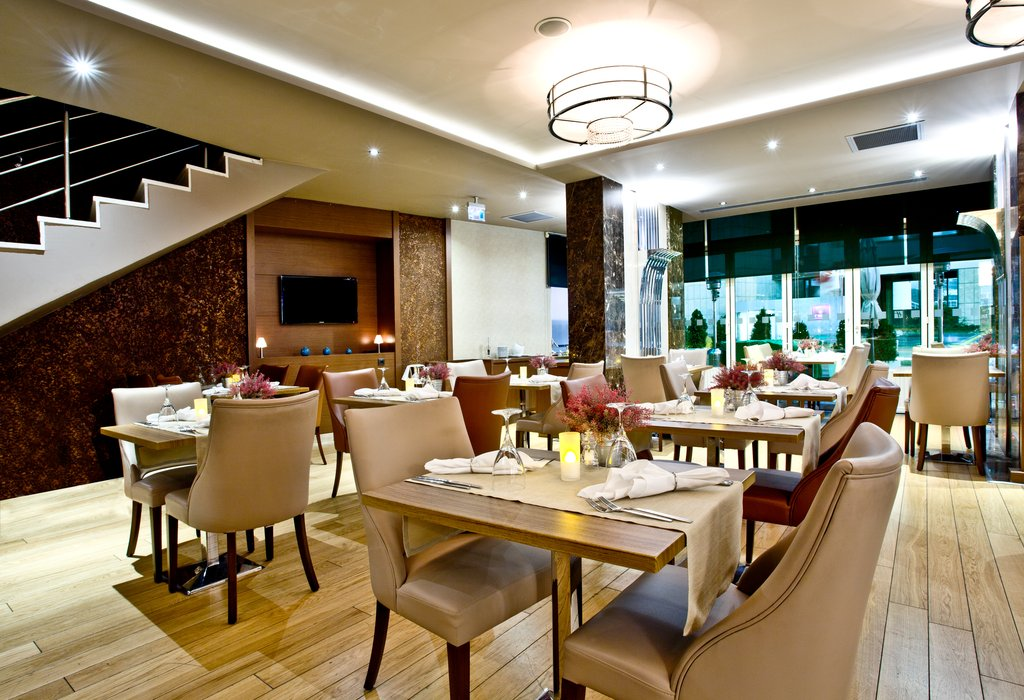 Holiday Inn Ankara-Kavaklidere-Savor authentic Turkish flavors at Monde Restaurant<br/>Image from Leonardo