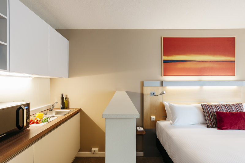 Holiday Inn Express Gent-King Business Studio with Kitchenette<br/>Image from Leonardo